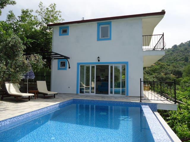 2 bedroom villa with private pool - Üzümlü Köyü