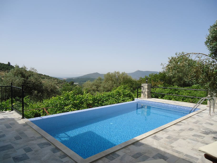 Private pool with stunning view