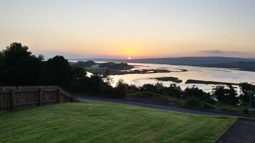 Spectacular Views in Letterkenny - Letterkenny - Huis