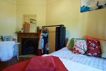 Best Location, Stunning Enmore Room