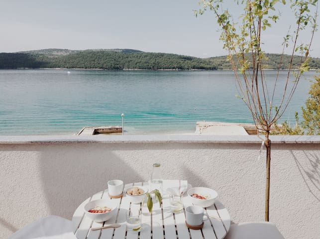 Cozy seaside escape by the beach - Šibenik
