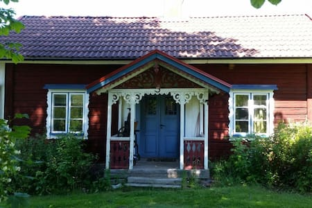 Bo i genuint 1800-tals torp - Bed & Breakfast