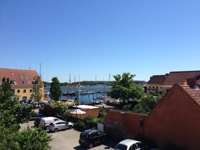 Unik lejlighed v. træskibshavnen - Svendborg - Pis