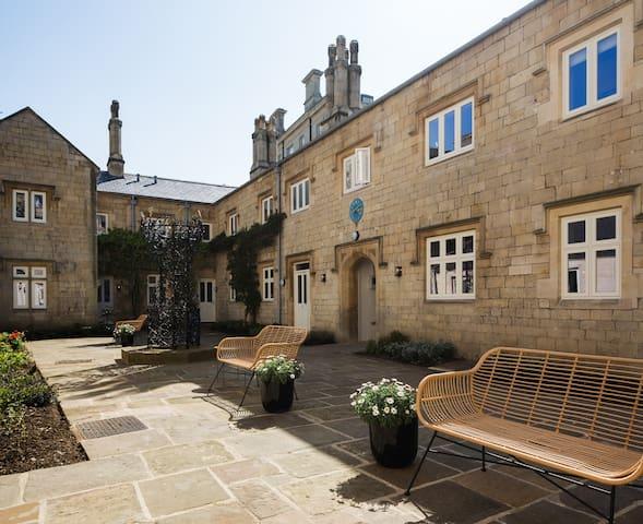 St Catherine's Hospital - Superior  Apartment