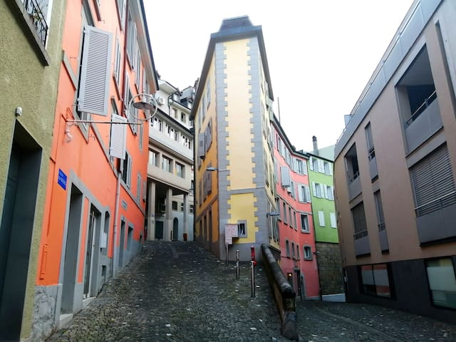 Studio in the HEART of Lausanne ! (1-3 pers.)