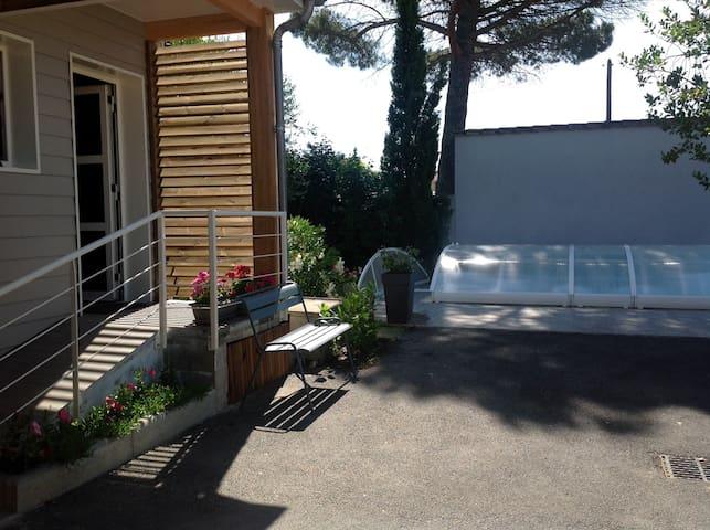 Studio dans chalet privé, piscine - Villeneuve-sur-Lot