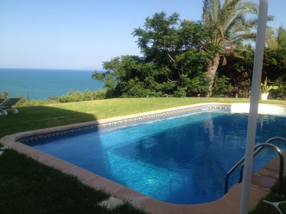BnB FLAT swimingpool gammarth tunis