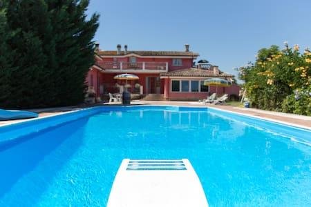 Porzione di villa con piscina - Cepagatti - 別荘