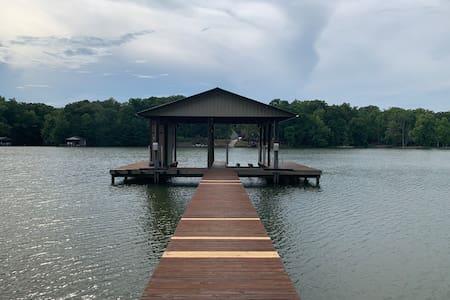 Lake Haven Cottage
