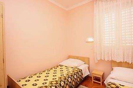 Villa Franka twin bedroom - Rab - Hus