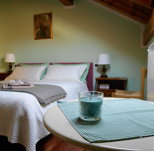 LA STANZA VERDE -  Cozy room with private bathroom