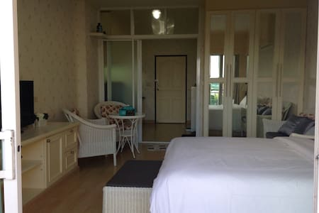Huge Furnished Studio, Phuket Town - Ratsada