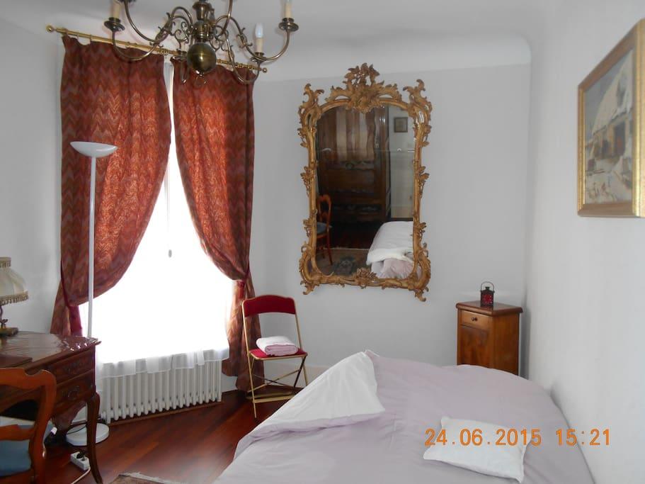 Une jolie chambre paris 17 appartements louer paris for Caravane chambre 19 paris