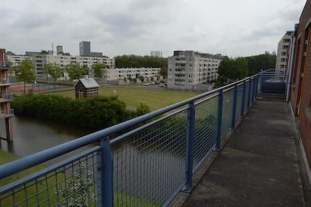 Snelfilterweg 142, Rotterdam