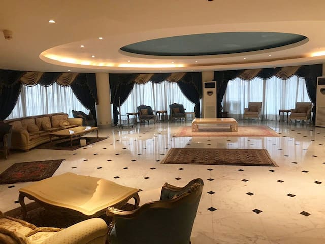 Unbeatable Location Where Luxury Is built In-Inmaa