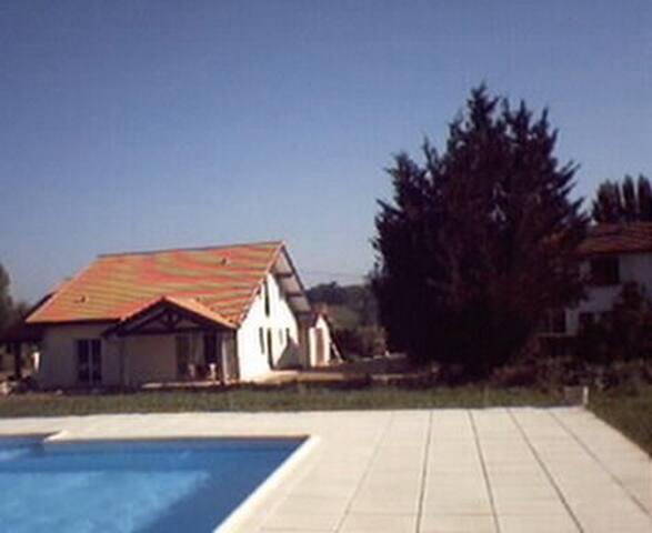 maison spacieuse et lumineuse - Peyrehorade - Dům