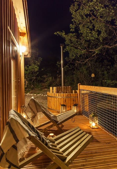 pella roca cabane spa privatif pres de bordeaux 2 treehouses for rent in labastide de penne. Black Bedroom Furniture Sets. Home Design Ideas