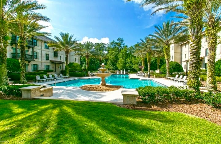 Full Condo in St. Augustine's World Golf Village