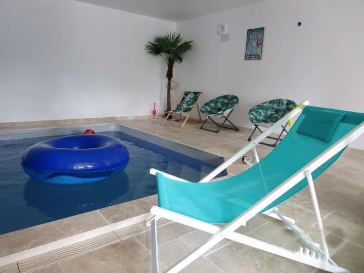 Maison piscine près châteaux de la Loire Chambord