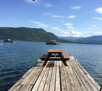 Chalet & Beach on Shuswap Lake - Celista