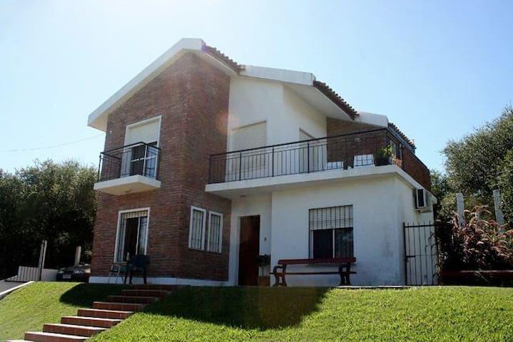"""Casa en Las cañas zona """"El Paraíso"""""""
