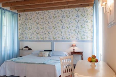 B&B Al Sicomoro - Romagnano - Bed & Breakfast