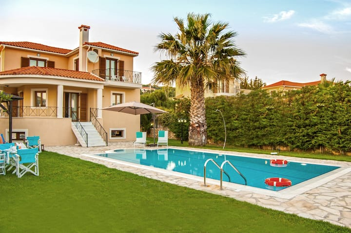 3 Bedroom Villa private pool by Kefalonia Houses