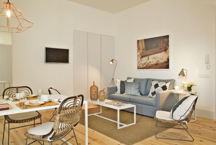 Apartment near the Bairro Alto 3K