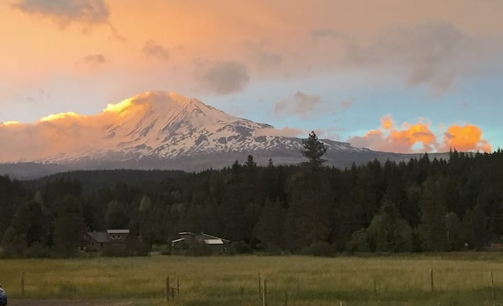 Private cottage on 28-acres w/ Mt. Adams view.