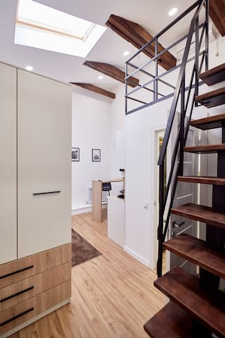Asgard - 2-storied studio in center