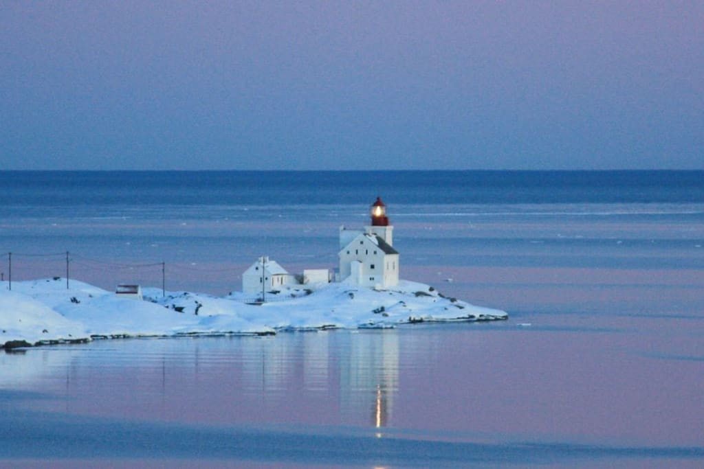 Lyngør Lighthouse at winter