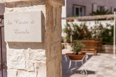Stunning Trulli with patio - アルベロベッロ