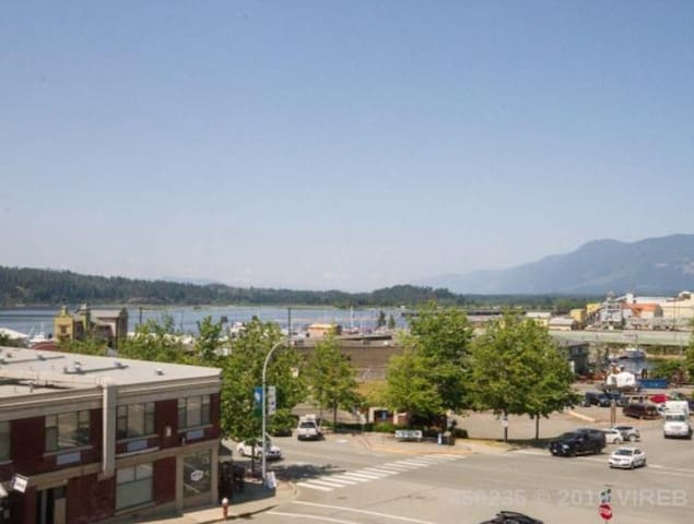 ★ Luxury Suite @ Port Alberni's Harbour Quay★