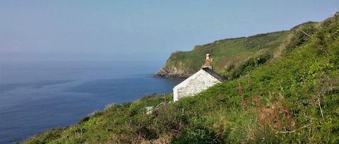 Cosy coastal cottage - Off-grid retreat - Cornwall