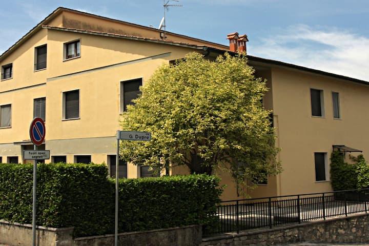 Graceful apartment in San Quirico