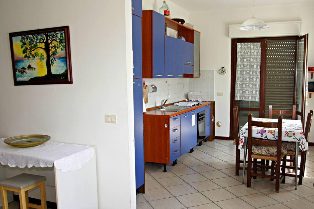 Ingresso della casa cucina - house entrance kitchen
