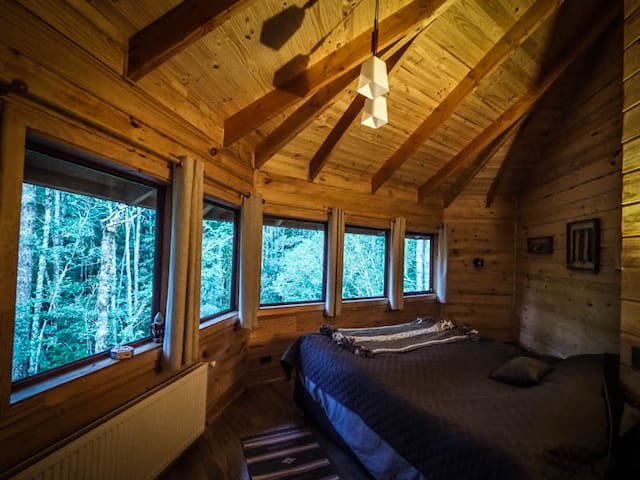 Habitación A 2º piso de dos camas individuales o posibilidad de unirlas en cama matrimonial