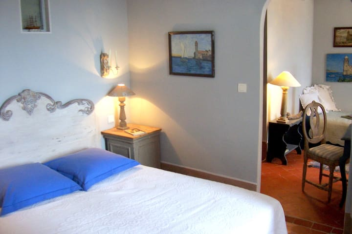 "- petite suite ""COLLIOURE"" - Ortaffa - Bed & Breakfast"