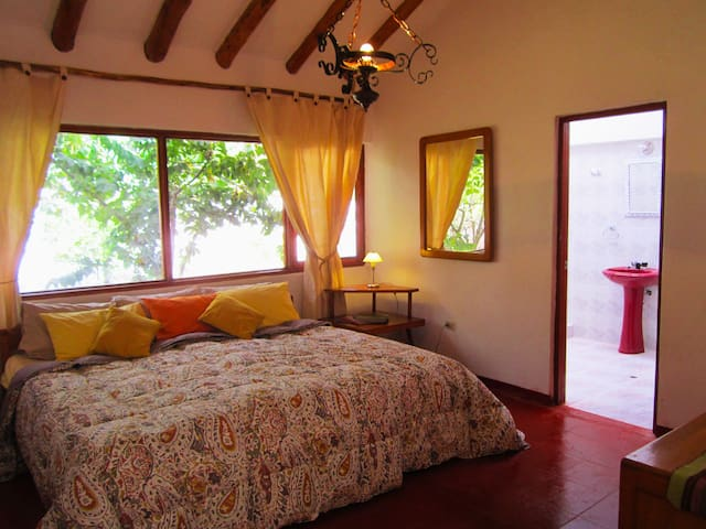 Spacious,3BED+LOFTCottage 2-10people WIFI,Parking - Urubamba - House