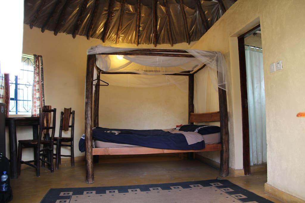 Comfortable beds, fresh linen - even a mosquito net!