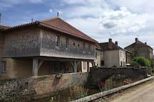 Chambre chez l'habitant dans un village paisible