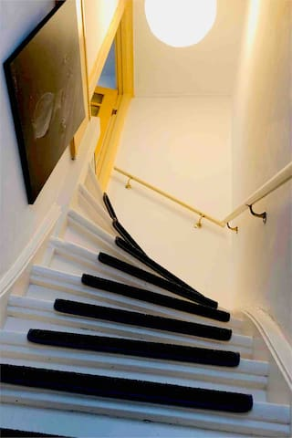 Stairs to the bedroom (12 steps)