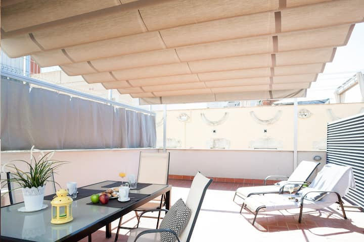 In Poblenou, private terrace and beach