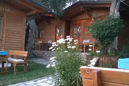 Filoxenia Holiday - Bed & Breakfast