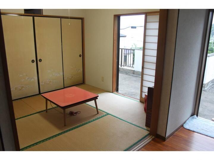 渚のゲストハウス「奄美ロングビーチ」 2階和室4.5畳 テラス付き