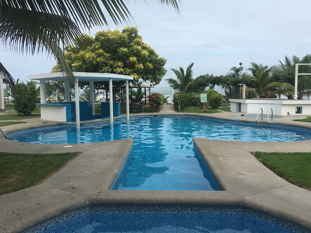 Rento departamento Club Mediterráneo, Canoa.