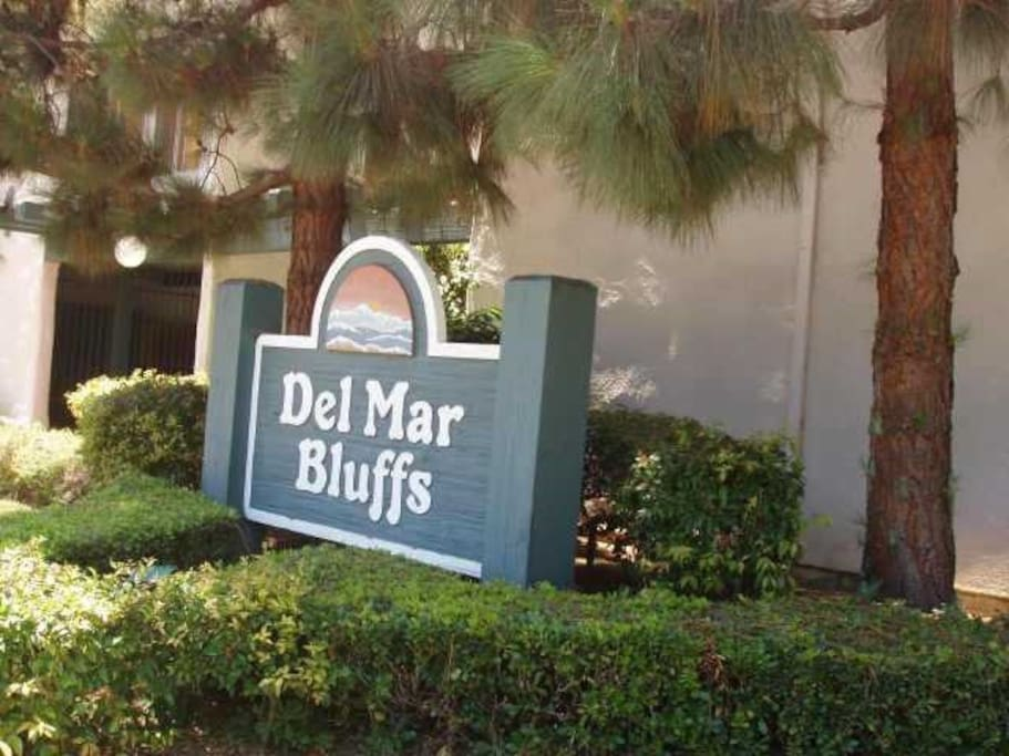 friendly neighbors, gated, clean, 1 mile from the beach and downtown Del Mar