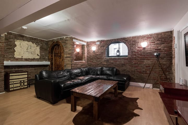 "The ""Hobbit"" 3 bdrm Apt in Plateau - Montréal - Loft"