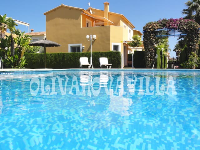 LOVELY HOUSE: INTERNET, SAT TV, POOL, GOLF & BEACH - Oliva - Talo