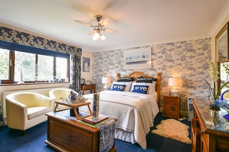 The Sapphire Room - Halland Lewes - Bed & Breakfast